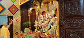 Lords Janmashtami Dress And Temple Décor At ISKCON Radha Gopinath Temple Girgaum Chowpatty