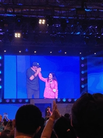Dr. Naavnidhi K Wadhawa shared stage with World Greatest life coach Tonny Robbins